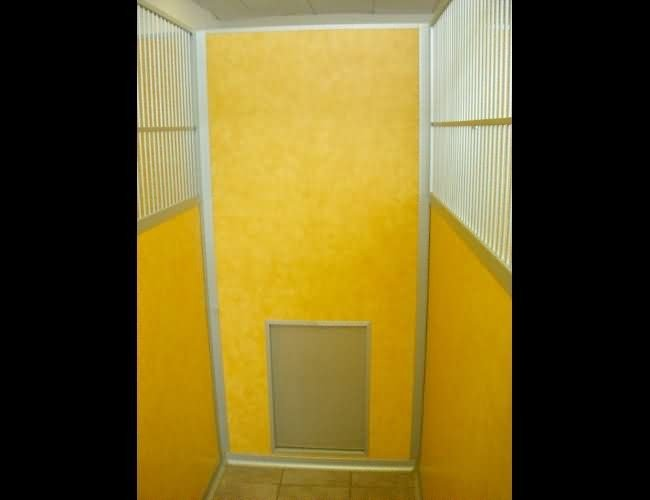 vet-mountain-vista-animal-clinic-guillotine-door-fb739b7ece